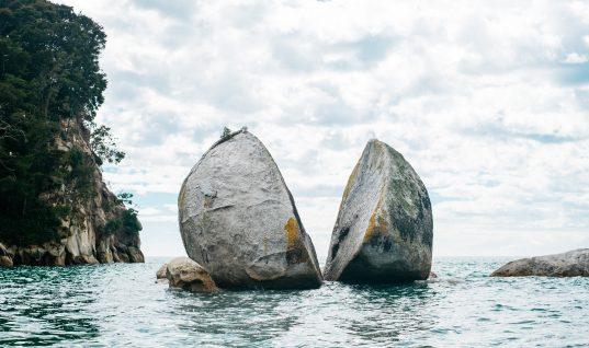 """Türk Gemisi """"Muavenet""""in NATO Tatbikatı Esnasında Amerikan Gemisi """"Saratoga"""" Tarafından Vurulması Olayı"""